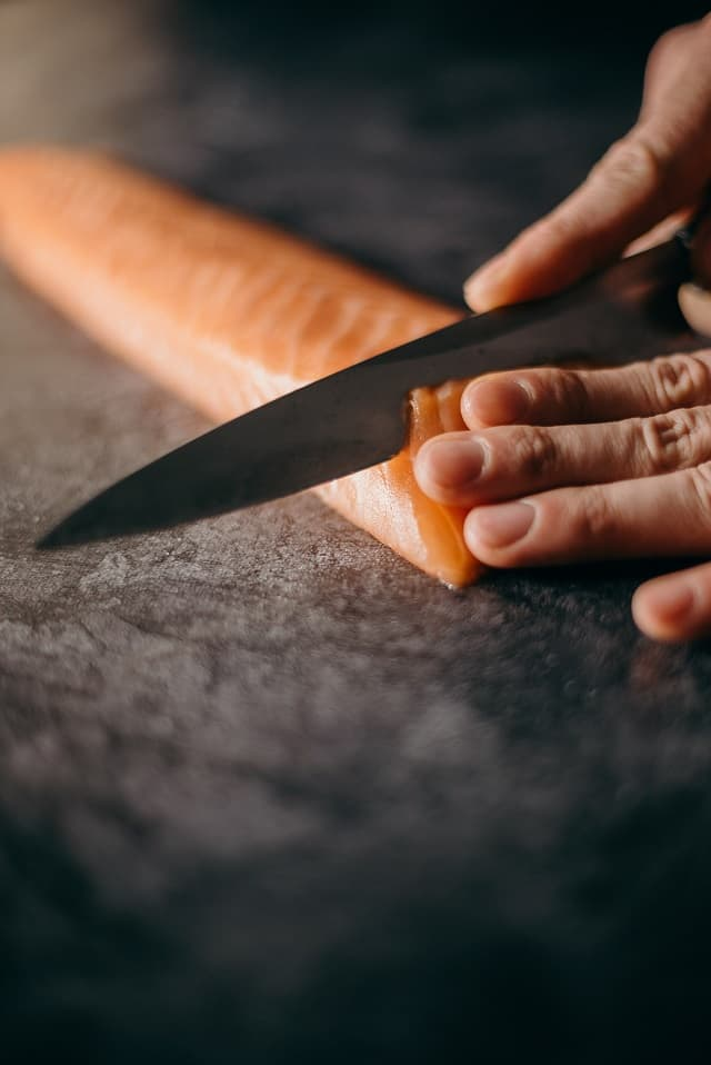 sashimi-messer-im-einsatz
